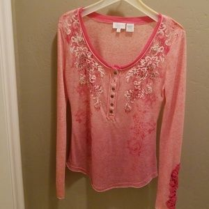 MISS ME HENLEY STYLE TOP SIZE LARGE EMBELLISHED
